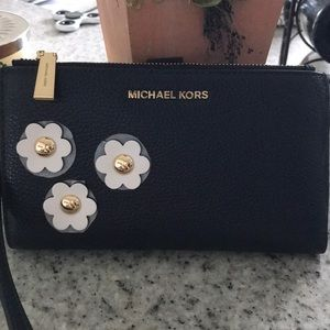 BRAND NEW Michael Kors wallet, never worn or used!